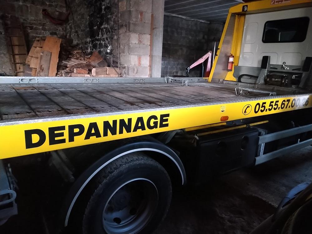 véhicule covering camion dépanneuse Auzances Gilles Camus garage publicité communication 23 Creuse
