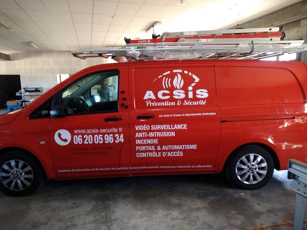 véhicule marquage lettrage Acsis Gouzon Atelier Comm'unique publicité Creuse